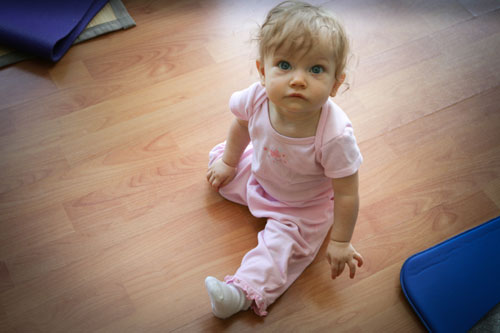 baby demonstrates a sitting position